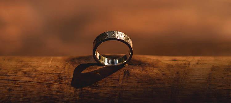 a gyűrűk elszaporodása)
