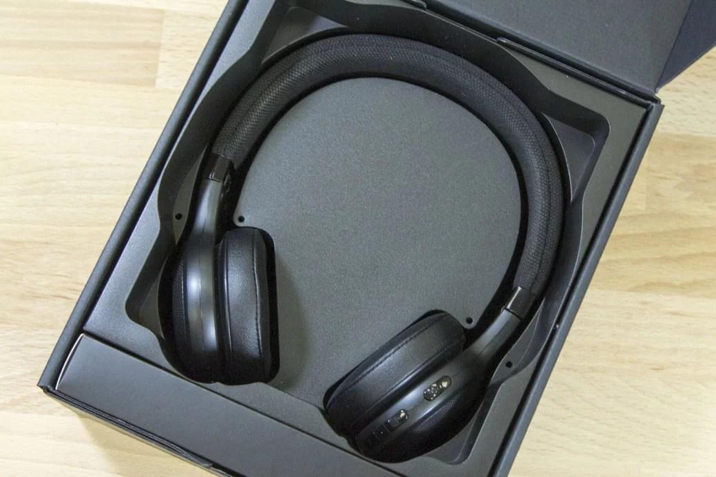 Aktív zajszűrős fejhallgatók zajcsíllapítási képessége különösen hangos környezetben. | HUP
